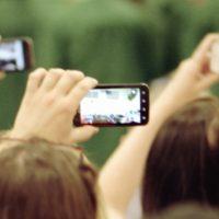 Imigrantes inovam no uso do celular nos EUA